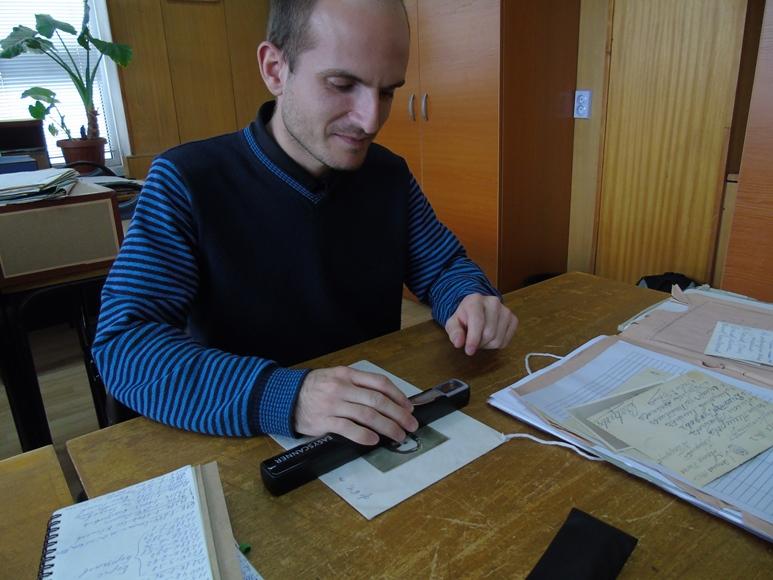 Спасимир Пилев в Държавния архив. 09.04.2015. Автор: Никола Калчев. Лиценз: CC-BY-SA 4.0