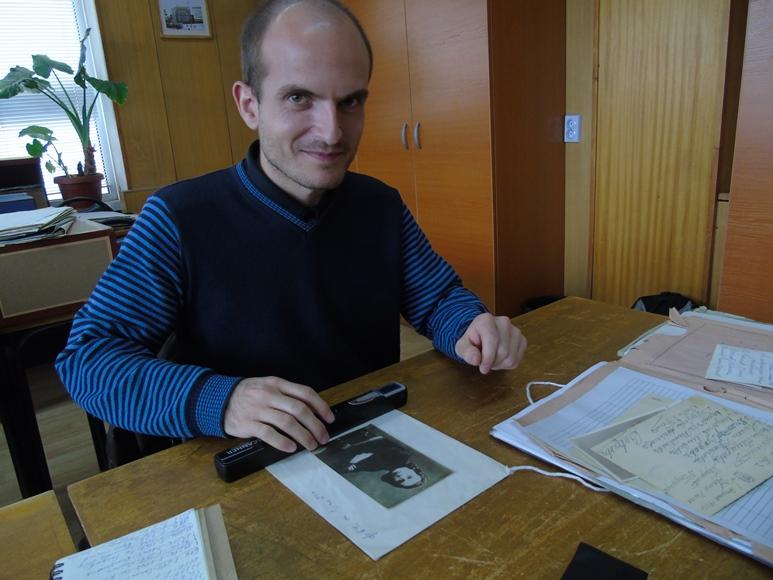 Спасимир Пилев у Державному архіві Болгарії (4.09.2015). Автор фото — Нікола Кальчев, ліцензія CC-BY-SA 4.0