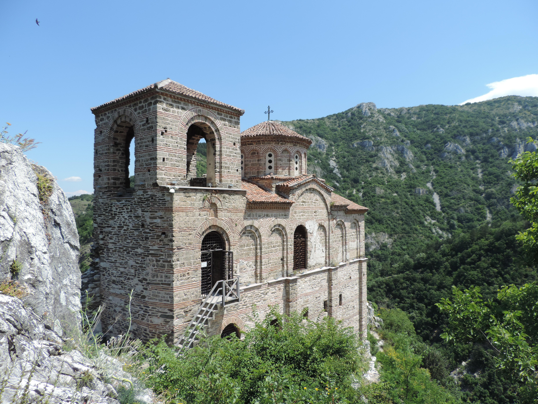 """Църква """"Света Богородица Петричка"""", Асенова крепост"""