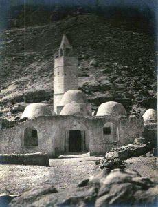 basa-3k-7-350-21-cemetery_in_chenini_tunisia
